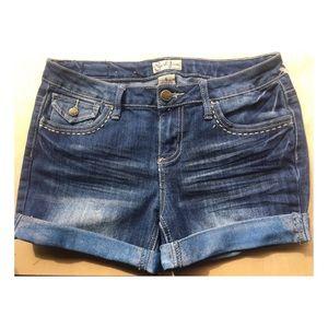 Earlier of Jean shorts